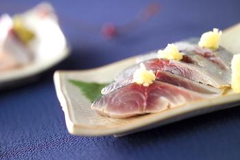 新鮮なサバが手に入ったら、ご自分でしめ鯖をつくってみましょう。冷凍もできるので、食べたい時に美味しいしめ鯖がいただけます。