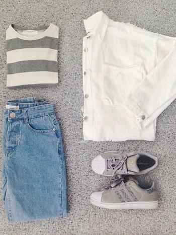 ボーダーTシャツはジーンズやチノパンなどと相性が良いアイテムですが、実はいろんな着こなしができるアイテムなんです。ちょっとだけ春らしい、女性的でキュートな着こなしをご紹介しちゃいます♪