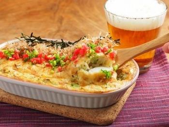 こんがり焼けた長芋のマヨネーズグラタンは、ビールのおつまみにも、お食事としても楽しめる一品。冷めても美味しいので、お弁当にもいいかもしれませんね。