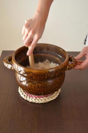 土鍋で炊いた白いご飯は最高!ご飯は炊飯器で炊いたことしかないという人も、ぜひ、お気に入りの土鍋を見つけてご飯を炊いてみてください。いつもとは一味も二味も違う、そんな楽しみを見つけることができるでしょう。