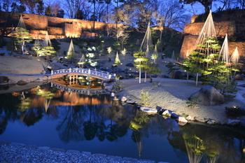 加賀藩三代藩主・前田利常により作られ歴代の藩主に愛でられた「玉泉院丸庭園」も再現され、優雅な大名庭園の風情を楽しめます。