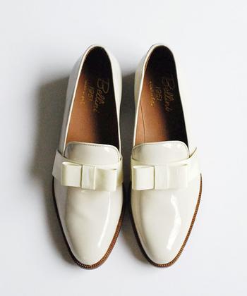 オシャレな人は靴からコーディネートを決めている。そう聞いたことがあります。 そんなオシャレの達人にならって、まだ肌寒くてもブーツを脱ぎ捨てて、春靴にチェンジしてみませんか?