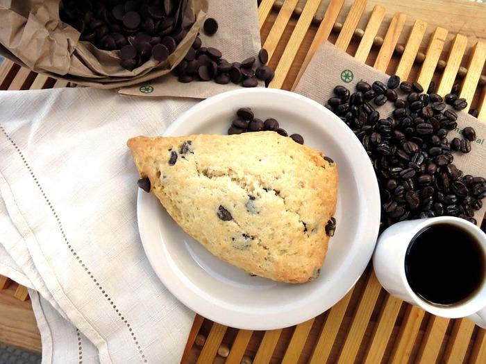 ちょっと甘めのスコーンは、コーヒーとの相性が◎。お休みの日には、お気に入りのコーヒー豆を挽いて贅沢な一時を。