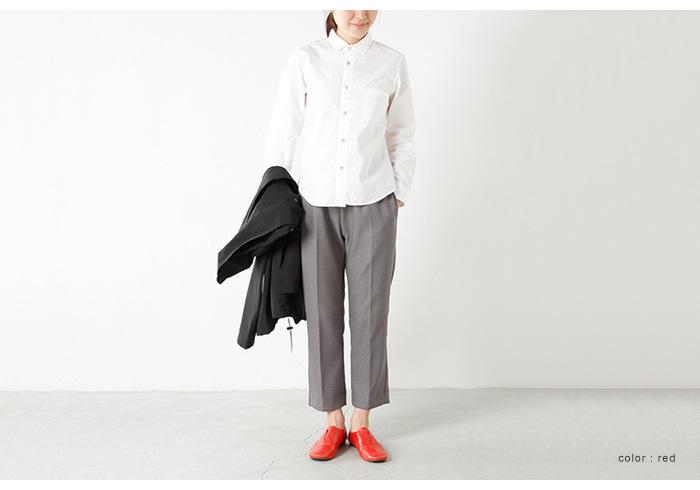 靴が主役!そんなコーデですね。  足首をチラ見せして春仕様♪肌見せ&明るめカラーの靴でヘルシー&セクシーな印象に。