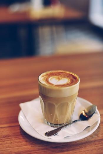 クリームとの相性が良いスコーンは、ミルクティーやカフェオレ、チャイでも楽しめます。お子様には、ホットミルクを。