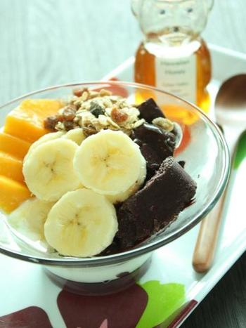 ヘルシーな朝ごはんといえば、すっかりお馴染みになったアサイーボウル。ミネラル豊富なアサイーと、お好みの季節のフルーツで健康に美しくなりましょう。