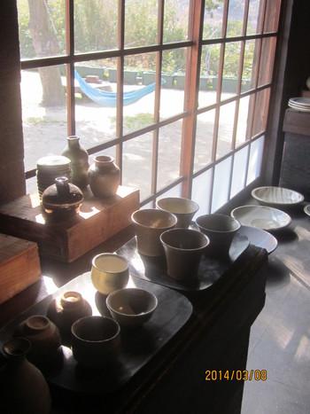 カフェでお茶をした後は、ギャラリーで器を鑑賞するのもおすすめ。1つ1つていねいにつくられた器たちは、もう2度と出会えないかも。気に入ったものがあれば、購入を検討してみてください。  きっと素敵な出会いがあると思いますよ!