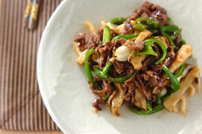 たけのこで中華といえば、青椒肉絲です。食物繊維豊富なマイタケをプラスして、ヘルシーに。強火で炒めることで、ピーマンもシャキシャキ。たけのことマイタケの食感もたまりません。
