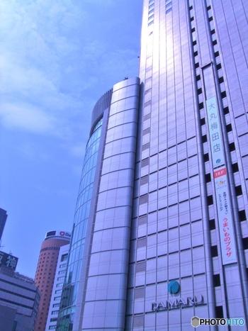 JR大阪駅と繋がる大阪ステーションシティの一部。ユニクロや東急ハンズもテナントとして入っています。