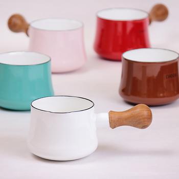 色もデンマーク風らしく、カラフルでパッと明るく、キッチンに立つのが楽しくなりそうです♪