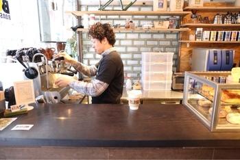 """コーヒーの風味が素晴らしく、消費者が満足のいくものを""""スペシャリティコーヒー""""と呼ぶそうです。 豆からカップに注ぐまでの全ての行程が高品質でないと出せないスペシャリティコーヒーを楽しむ事が出来ます。"""
