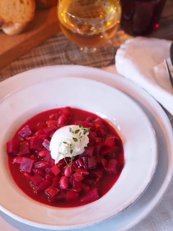 料理を豪華に見せたり、特別感を出したい時は、プレートの重ね使いがおすすめです。