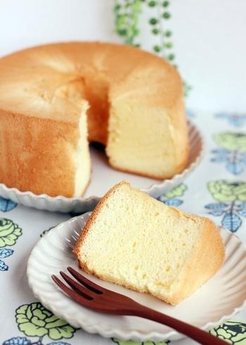 焼き縮みしたり上手く膨らまなかったりなど、上手く焼くのがなかなか難しいシフォンケーキ。細かな米粉を使うことでふるわなくても良くなり、ヘルシーで優しく焼き上がります。