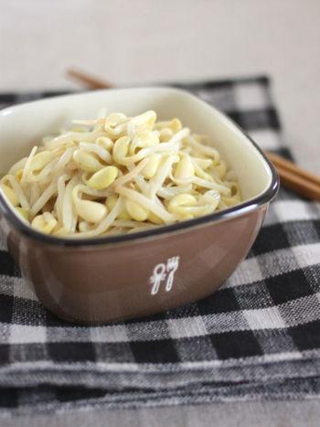 練りゴマと梅酢で和えるだけの簡単レシピ。 豆のしっかりした味わいが美味しい一品です。
