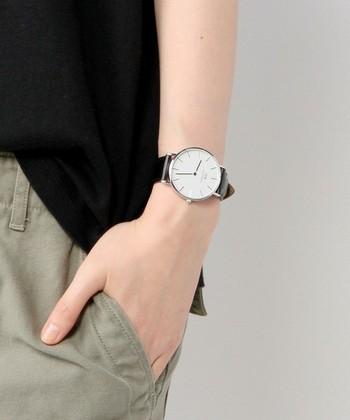 体の中で一番アクションの大きい手元は、特に、目に入りやすい箇所です。トラディショナルな腕時計は、きちんとした手元を演出してくれますよ。