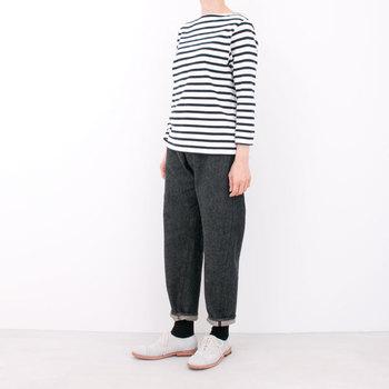 YAECAの定番アイテム「バスクシャツ」。年齢を問わず長く愛せるボーダーシャツは、ヘビロテ間違いナシの一品です。