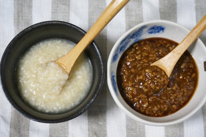 万能調味料ともいわれる、塩麹と醤油麹。それぞれ塩や醤油のかわりに料理に使えます。もっと手軽に作りたい場合はジップロックを使っても◎麹の働きに酸素が必要なので、少しフタを開けて熟成させてくださいね。