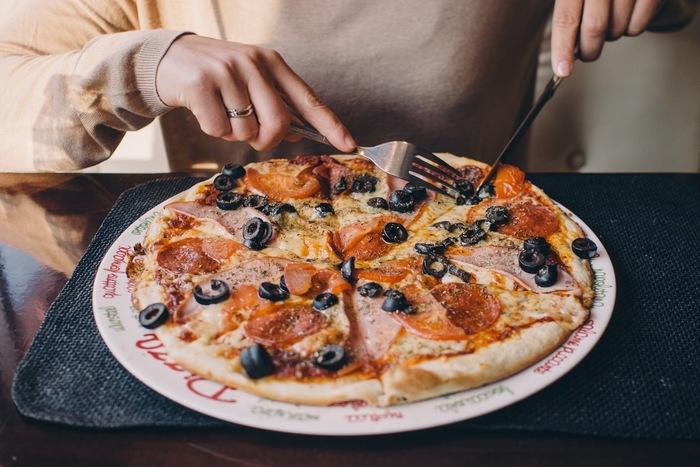 パリっと香ばしくもっちもちのピザも、野菜がたっぷりトッピングされたピザなら、体にやさしく美味しく食べられちゃう。