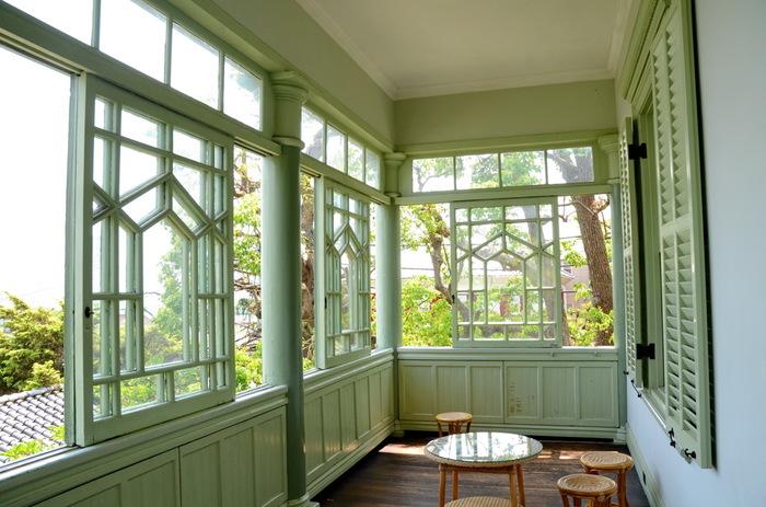 廊下の窓から入る光が優しいですね!