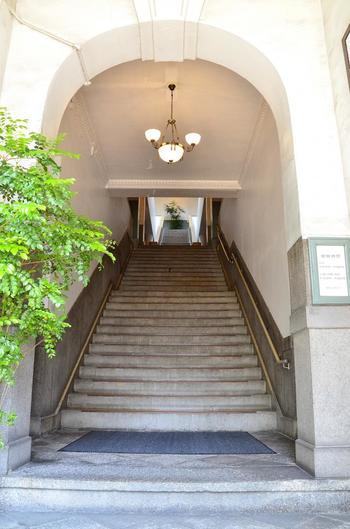趣があり、当時のままの状態の入口。 ここを、どんな人が歩いていたのでしょうね。
