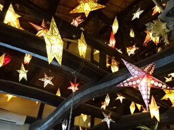 店内の照明。星型のライトが可愛いと評判です。