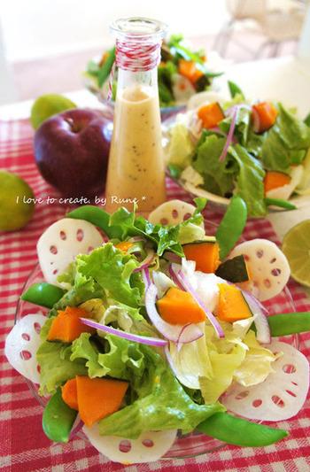 リンゴ&リンゴ酢の甘酸っぱいコンビーネーション。リンゴの酸味と甘みが絶妙で、野菜を美味しく包んでくれるドレッシングです。しゃぶしゃぶサラダにもオススメです。