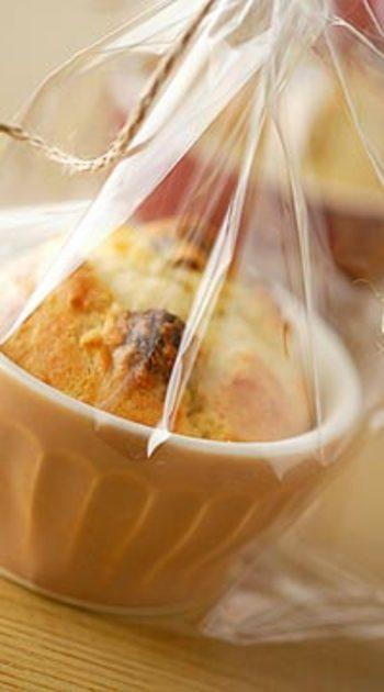 カマンベールチーズとソーセージが入った贅沢マフィン。アクセントにチョコチップも入って、意外なおいしさに2度びっくり。
