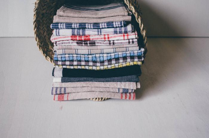綿のタオルはふんわりしているため、収納するのにかさばりがち。リネンタオルは折り畳んでもかさばらないのでスッキリと収納することが出来ます。旅行などに持っていくのにも向いています。