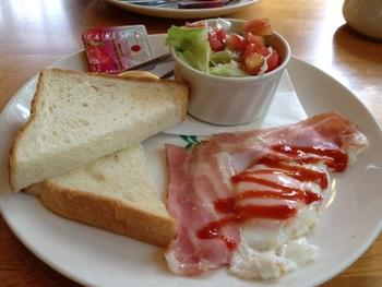 モーニングメニューがあります。朝からカフェで食事するのもステキですね!