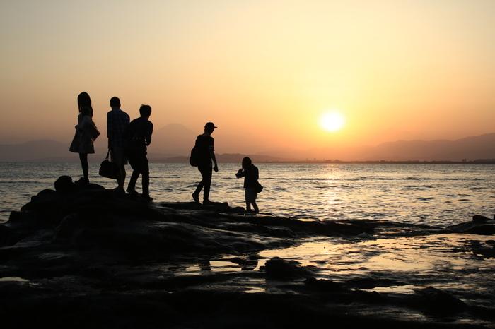 こちらは稚児ヶ淵からの夕景。海岸沿いのこのシチュエーションもいいですね。