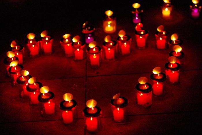 キャンドルの灯りが、園内をやさしく照らし出します。デートスポットとしてもおすすめですよ。