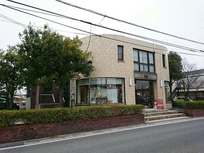 米子市で人気の雑貨ショップ「'tis clay(ティズクレイ)」と、お店の一角にあるランチが美味しいカフェ「cafe 楓」。