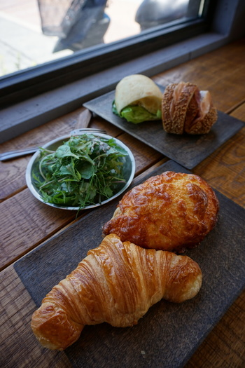 店内にはイートインスペースもあるので、ゆっくりとパンなどを楽しむことができます。