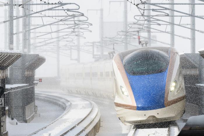 北陸新幹線かがやきで、約2時間30分。東京から、片道約14000円で手軽に行くことが可能になった城下町・金沢。