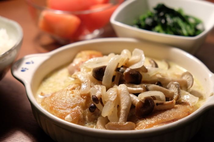 クリーム煮は、ごはんにもパンにも合うまろやかな味わいのメニュー♪シチューやミルクスープとはまた違った味わいがあり、バリエーションも豊富にあります。家にある材料を生かして、上手にクリーム感を出しながら早速作ってみましょう。