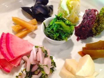 近為京都本店では、奥座敷で京のお茶漬けをいただくことができます。おつけものコースと、おつけもの+鮭粕漬コースの二種類で、要予約です。
