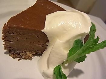 こちらはチョコレートのチーズケーキ。
