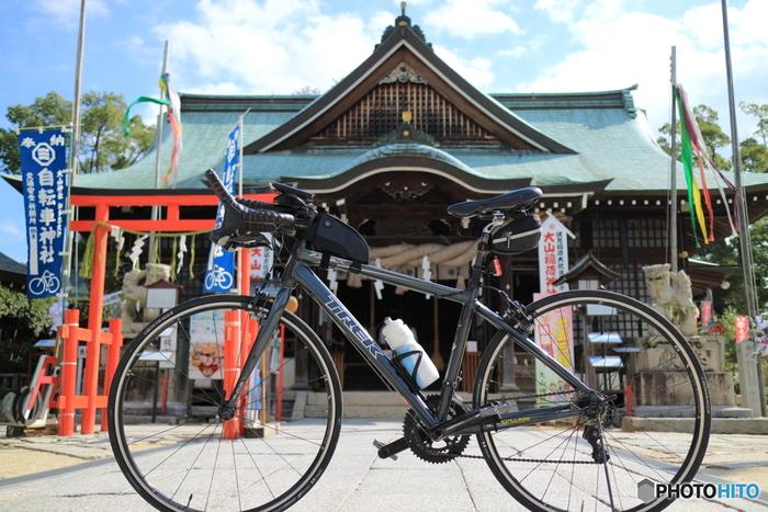 因島(いんのしま)にある珍しい自転車神社。サイクリストが訪れます。  世界からも注目のサイクリストの聖地です。サイクリングのための施設も充実しています。