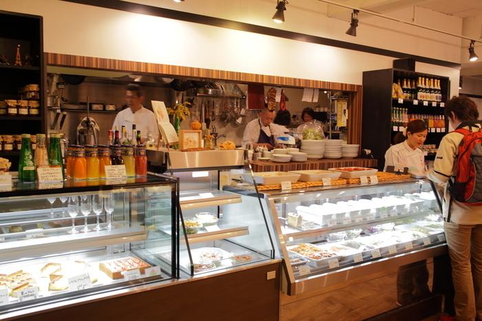 値段が高いイメージのあるフランスの惣菜を、リーズナブルかつ気軽に楽しむことができます。