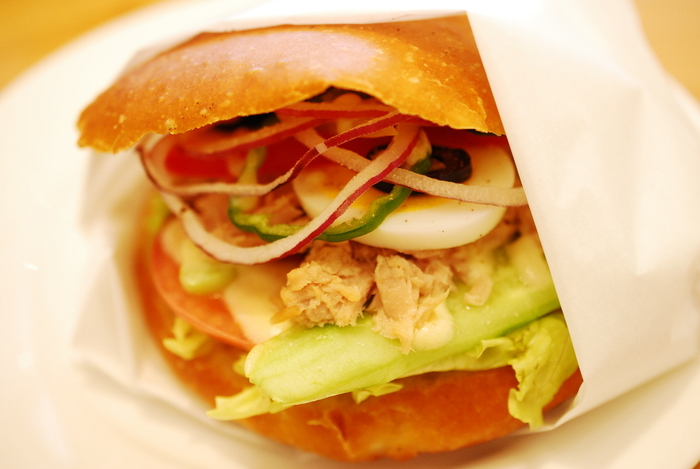 ル・コルドン・ブルーの質の高さを体験できる出来立てのサンドイッチ片手にピクニックへ行きたくなりますね♪