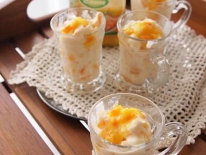 ヨーグルトにオレンジコンポートのひと瓶、はちみつ、あんずの缶詰があれば、お客さまの予定が入っても、他の調理と並行して準備できます。