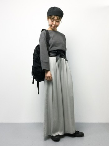 ボリュームのあるオーバーサイズのシルエットもメリハリがついてこなれ感のあるスタイルに。 (モデル身長:153cm)