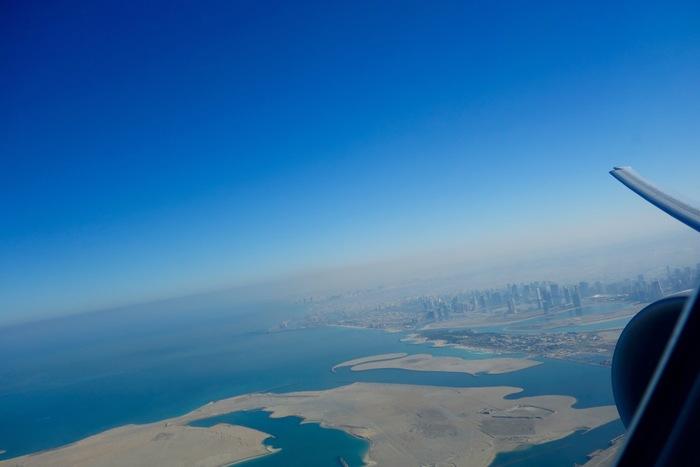 砂漠の摩天楼ドバイの景色を眺めることができるのもまた魅力の一つ。ヨーロッパやモルディブ、アフリカ、そして中南米へ行くなら途中降機してドバイでお買い物を楽しんでみるのはいかが?