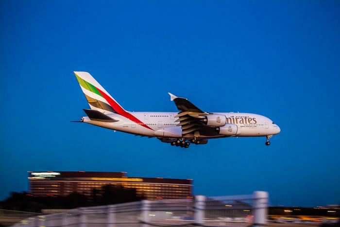 羽田から中東ドバイまでの直行便も快調なエミレーツ航空。エアライン・オブ・ザ・イヤーで、2013年に1位を獲得するなど400以上の賞を受賞している5つ星のエアラインです。