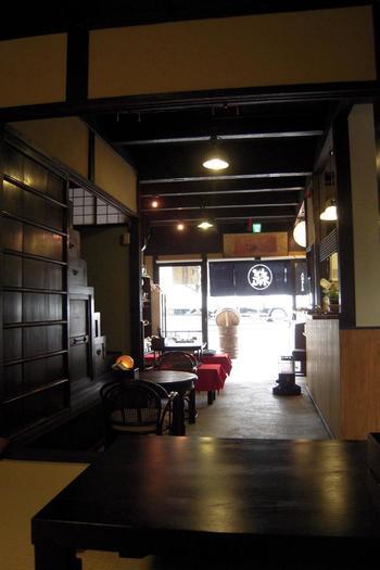 「糀やCafe」は、先に紹介した「大阪屋こうじ店」の奥。