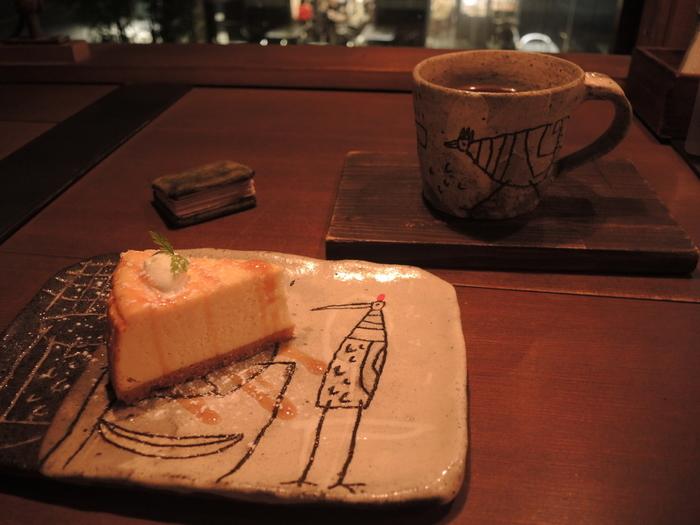 一番人気は「ザ・チーズケーキ」。4種類のチーズを使用したチーズケーキは素朴だけれど奥深い味わいです。