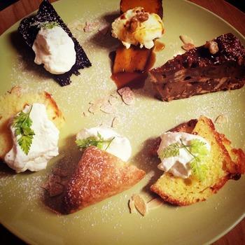 6種類のデザートが選べるデザートプレートはとってもお得!少し贅沢なティータイムにいかがでしょうか。