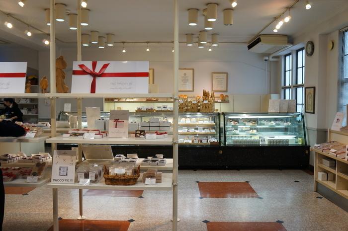 1階にはケーキやクッキー、ジャムにプレミアムアイスクリームなどを買うことができるショップがあります。 異国情緒あふれる神戸のお土産にいかがでしょうか?