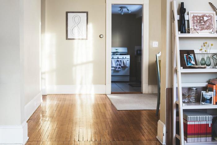 部屋が綺麗になると、自然と心もスッキリして、心に余裕が生まれます。スッキリと穏やかな心で、子どもや家族に向き合いたいものですよね。ここで紹介した掃除グッズで、子どもがいてもお部屋を楽しく掃除してみませんか?
