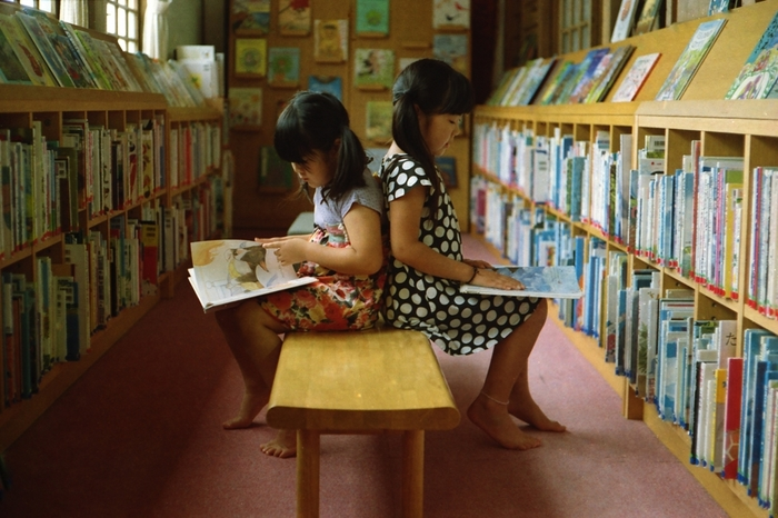 特に力を入れているのは児童コーナーの充実。貸出数の1位に輝くほど、児童書が借りられています。日本で発行される児童書の全点を購入しているというから驚きです。 (※画像はイメージです)